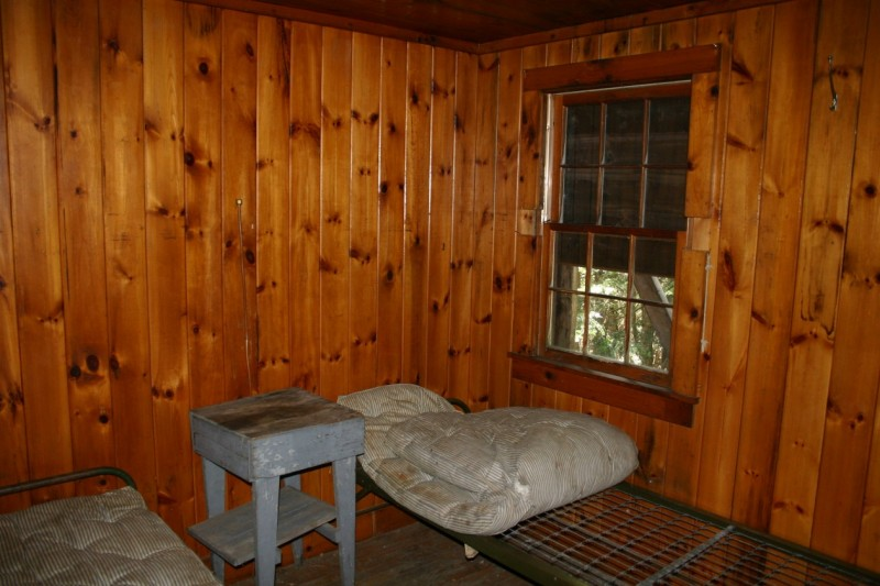 Observer Cabin Bedroom